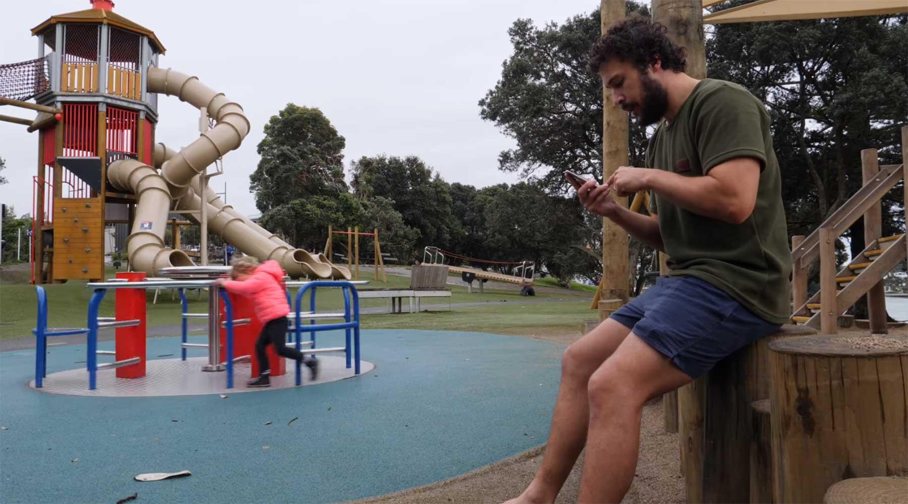 How To DAD: Mit einem Kleinkind auf dem Spielplatz