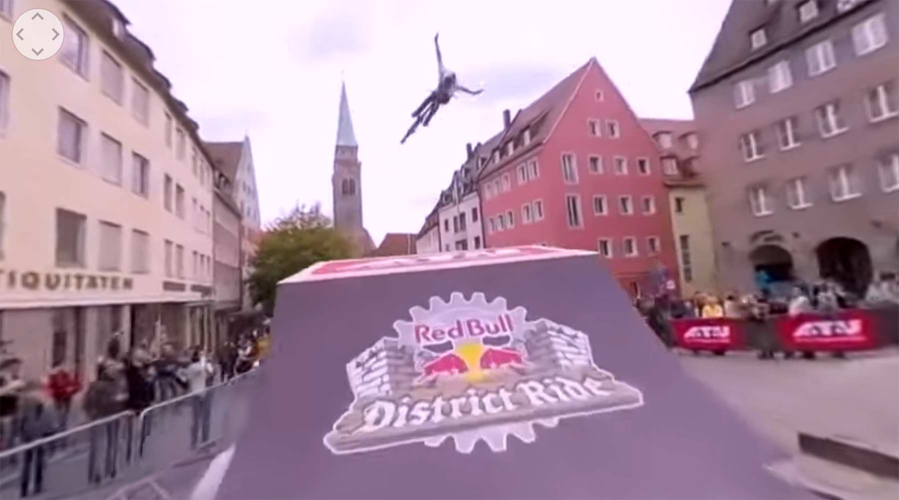 Rasante Mountainbike-Tricktour mit 360°-Kamera red-bull-district-ride-360