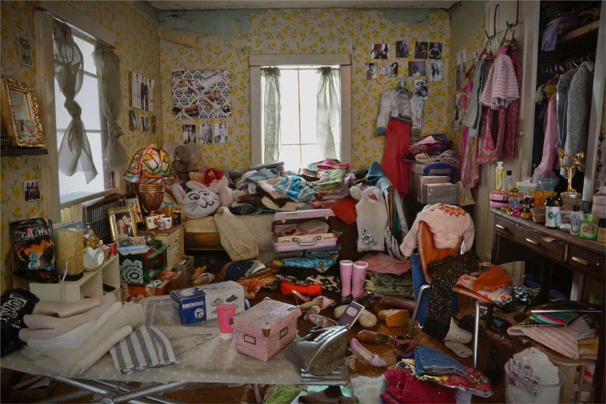 Verlassen-vermüllte Miniaturzimmerchen Carrie-M-Becker_03