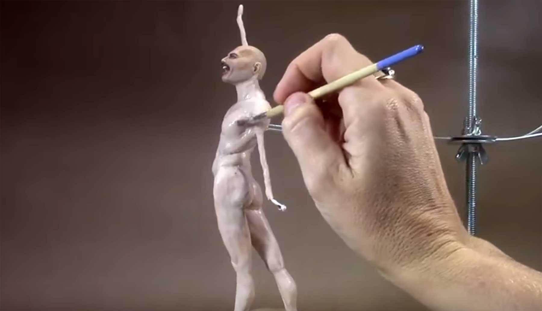 Die Entstehung eines Mini-Freddie Mercurys