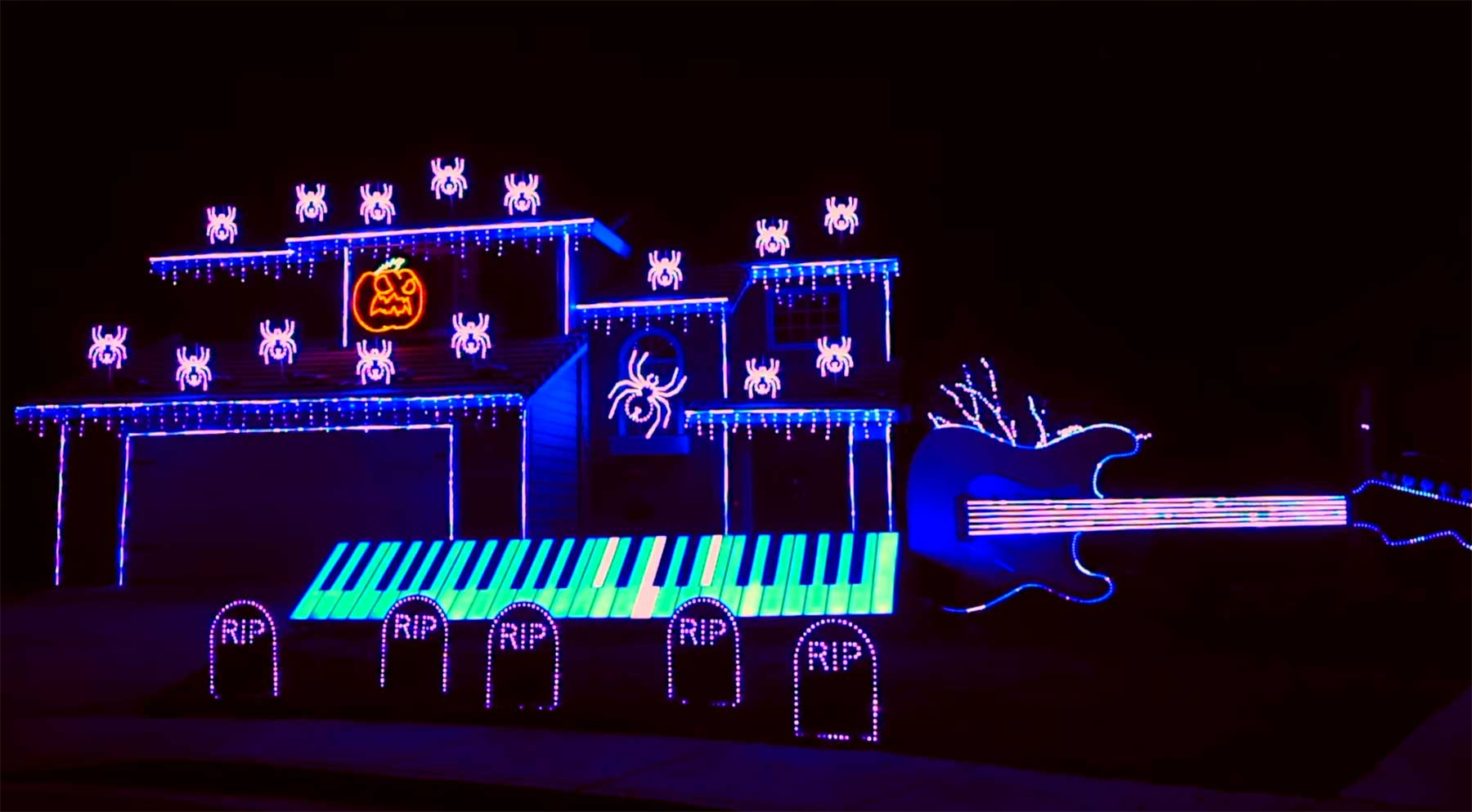 Beeindruckende Halloween-Hausbeleuchtung