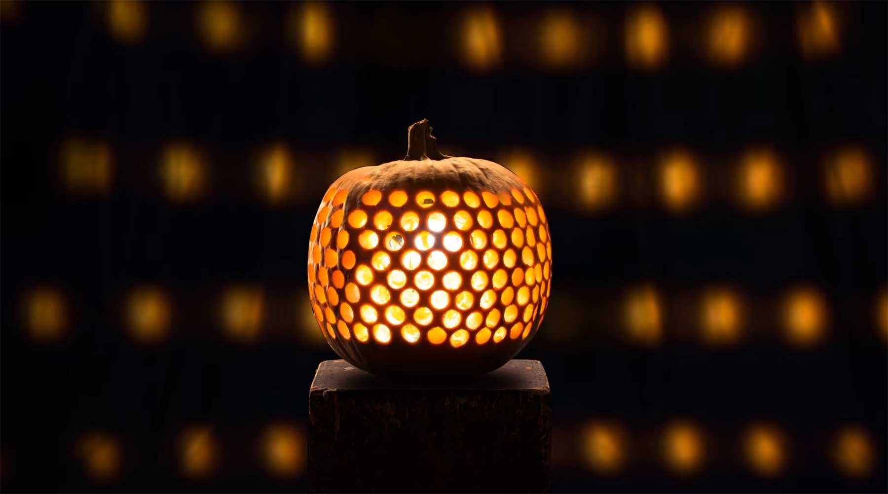 Stopmotion mit Halloween-Kürbissen