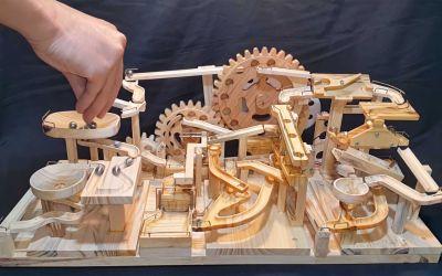 Modulare Murmel-Maschine