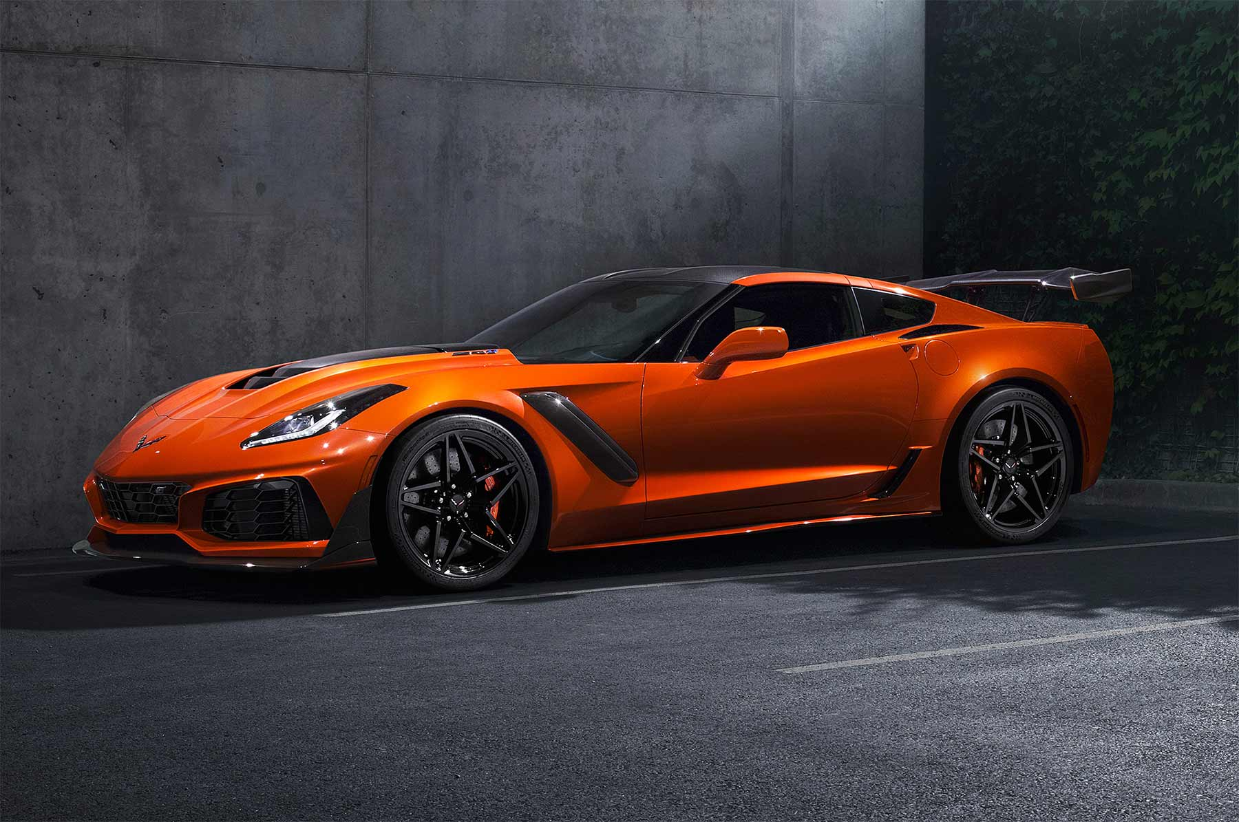 2019 Chevy Corvette ZR1 2019-Chevy-Corvette-ZR1_01