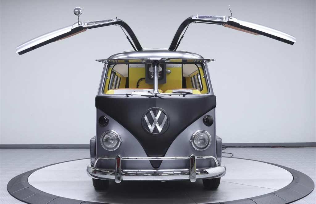 Dieser coole VW T1-Bulli fährt zurück in die Zukunft Back-To-The-Future-VW-T1-Bulli_01