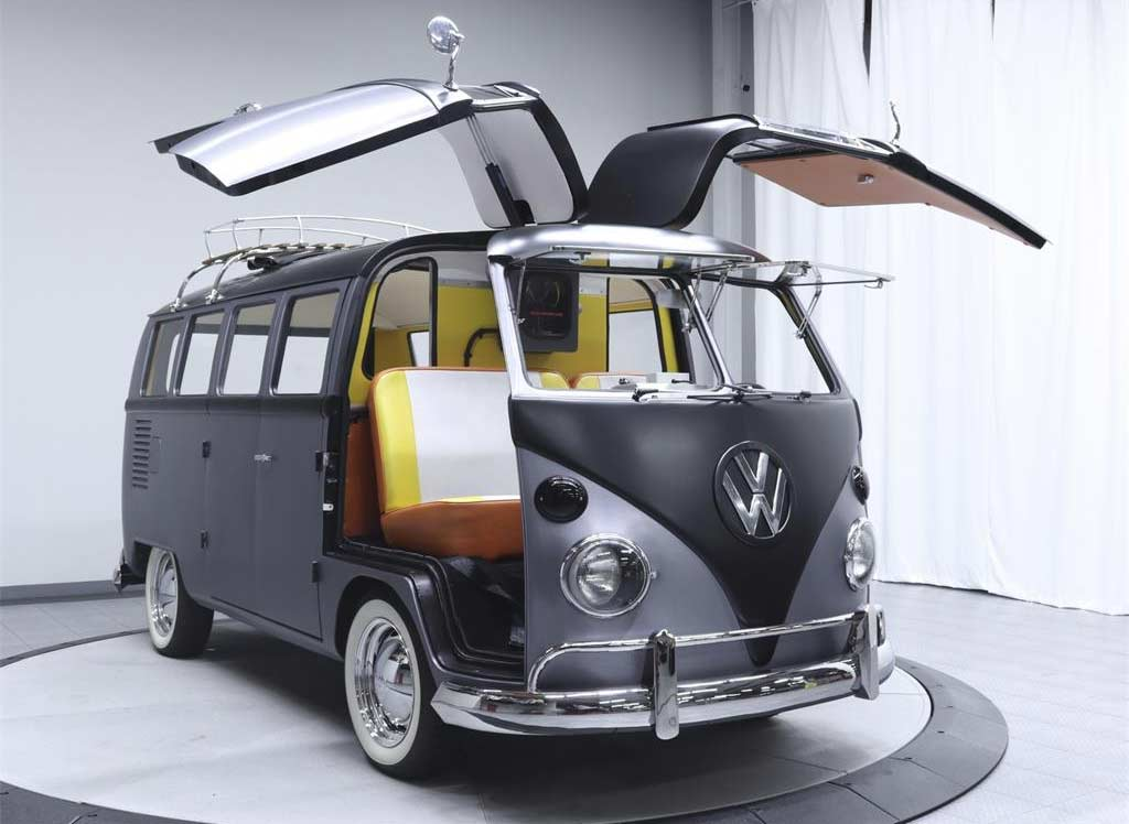 Dieser coole VW T1-Bulli fährt zurück in die Zukunft Back-To-The-Future-VW-T1-Bulli_02