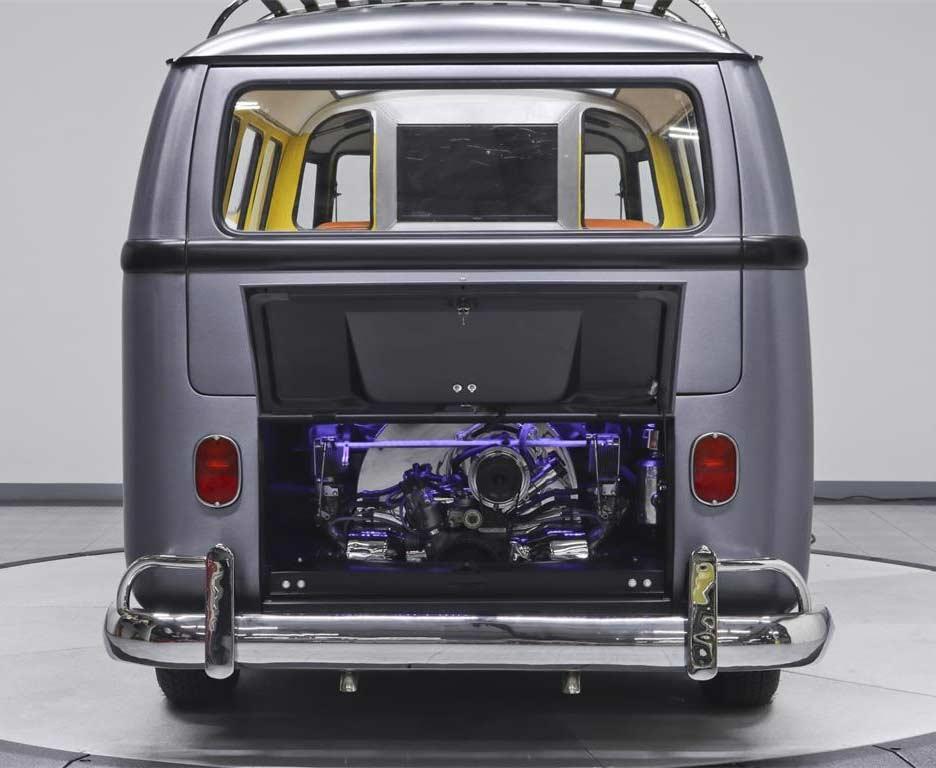 Dieser coole VW T1-Bulli fährt zurück in die Zukunft Back-To-The-Future-VW-T1-Bulli_06