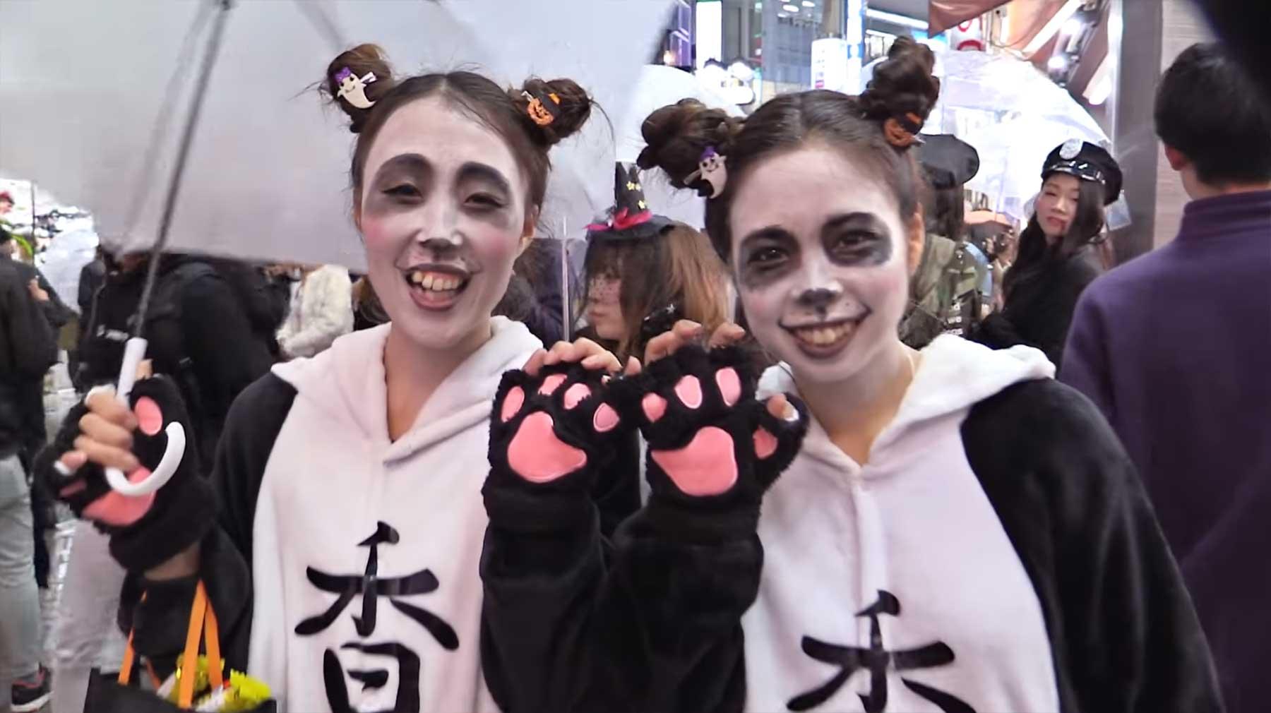 Die größte Halloween-Kostümparty stieg auf Japans Straßen