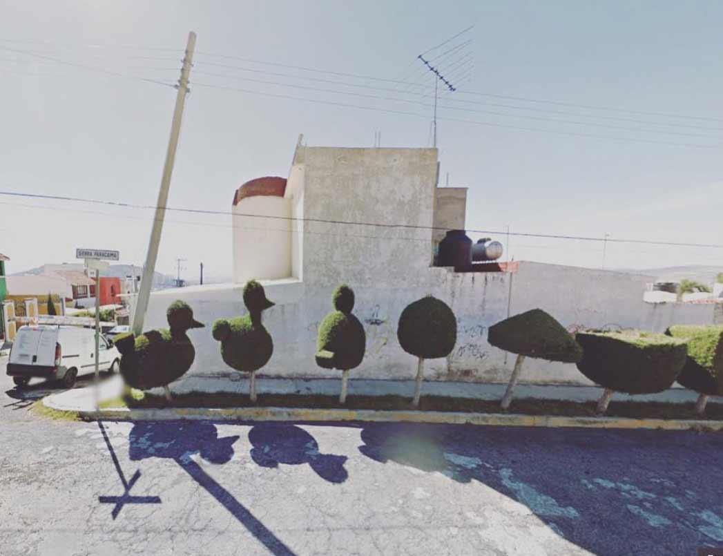 Frau traut sich nicht raus und bereist mit Street View die Welt The-Agoraphobic-Traveller_04