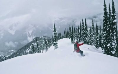 Schöner Snowboard-Freeride: OFF COURSE