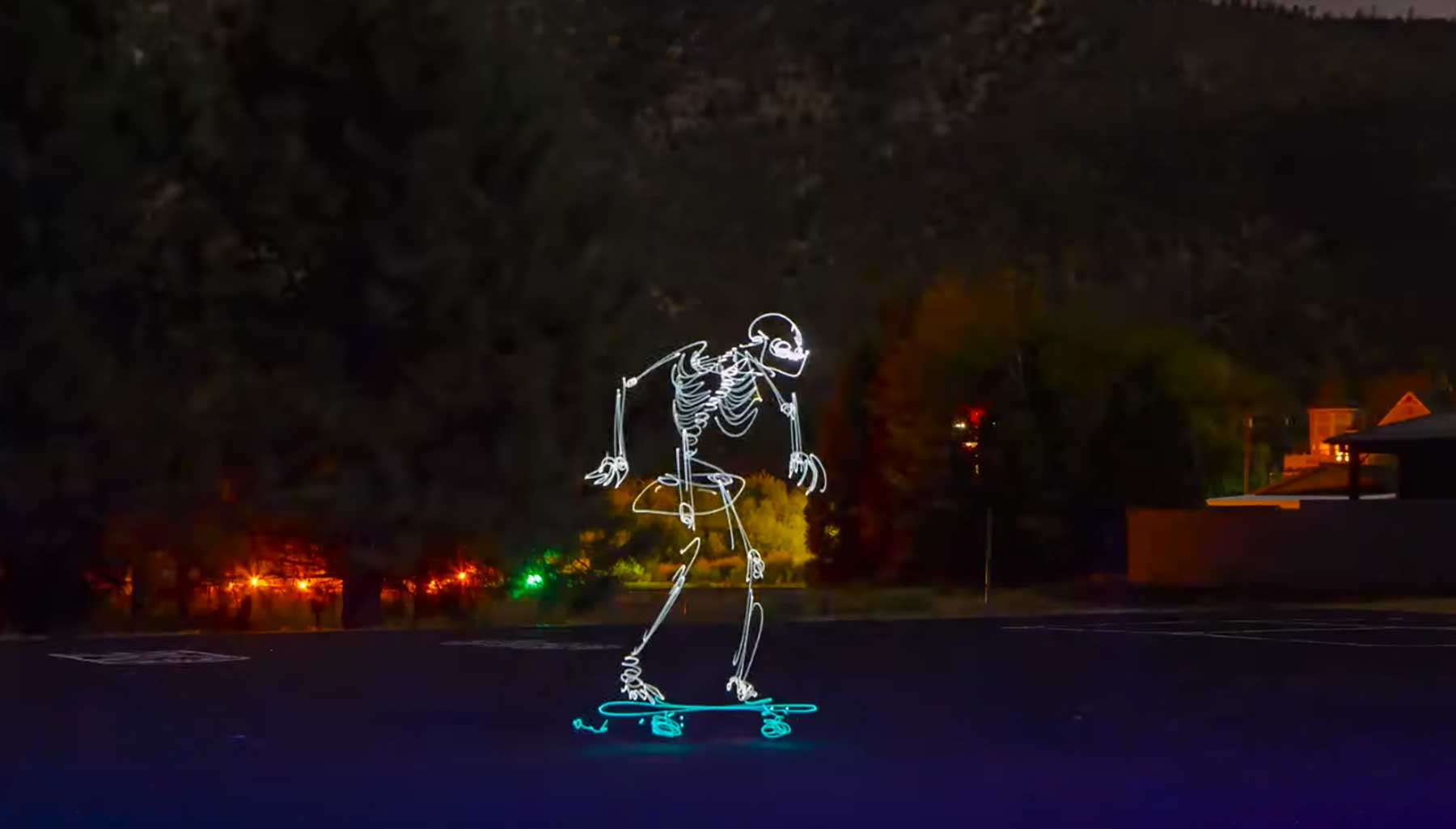 Skateboardende Licht-Skelette kill-the-lights-stopmotion