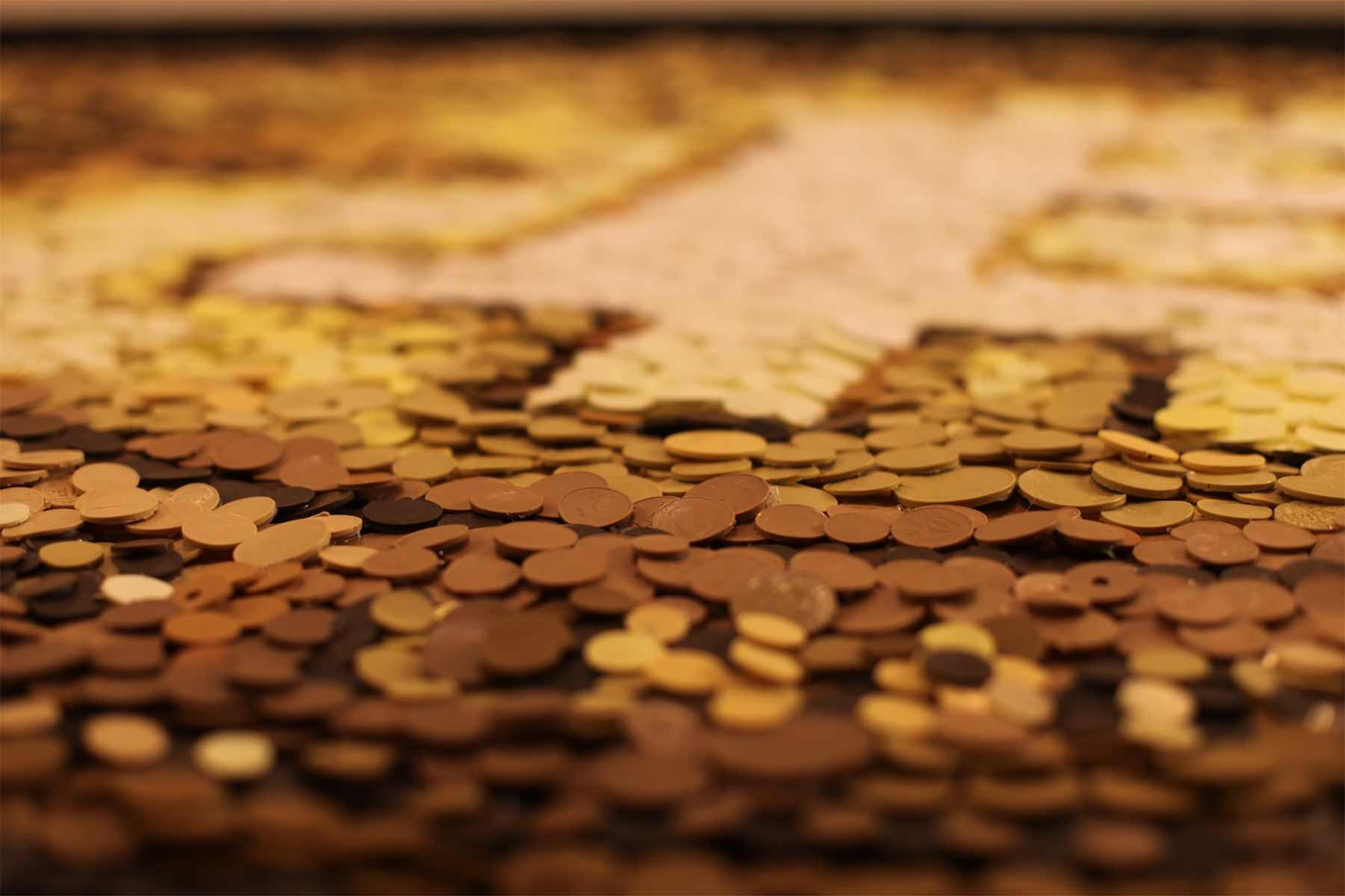 Mosaiks aus Tabletten, Münzen und Mittelfingern Kevin-Champeny-mosaik_05