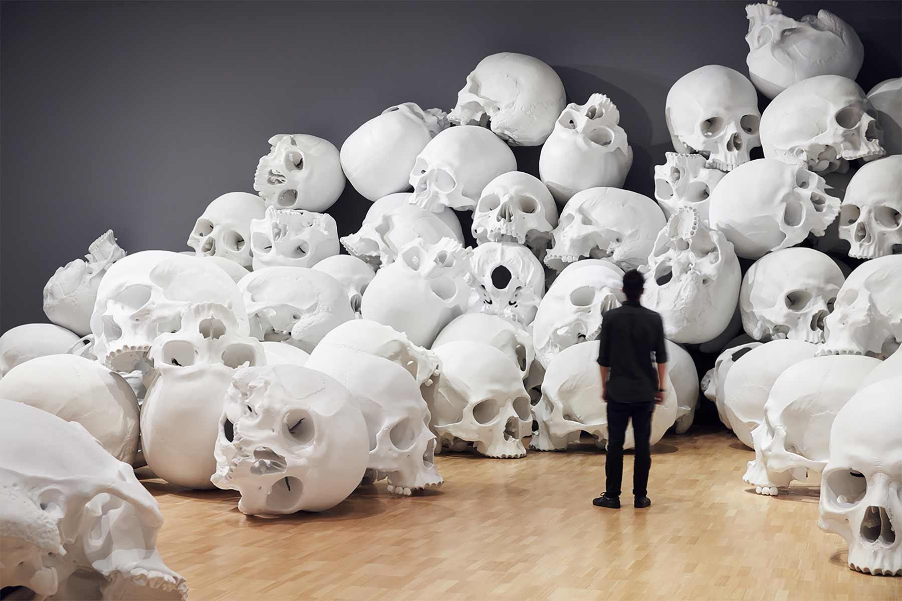 Raum der 100 gigantischen Schädel