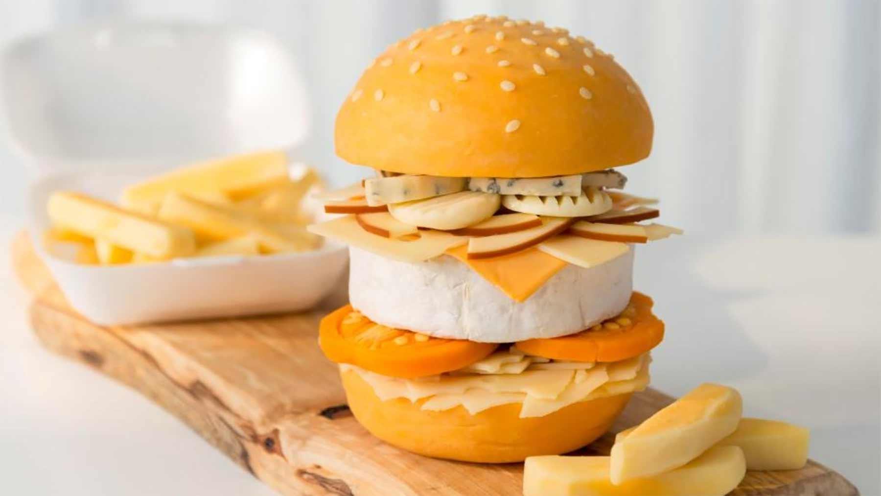 Dieser Cheeseburger besteht ausschließlich aus 9 Käsesorten