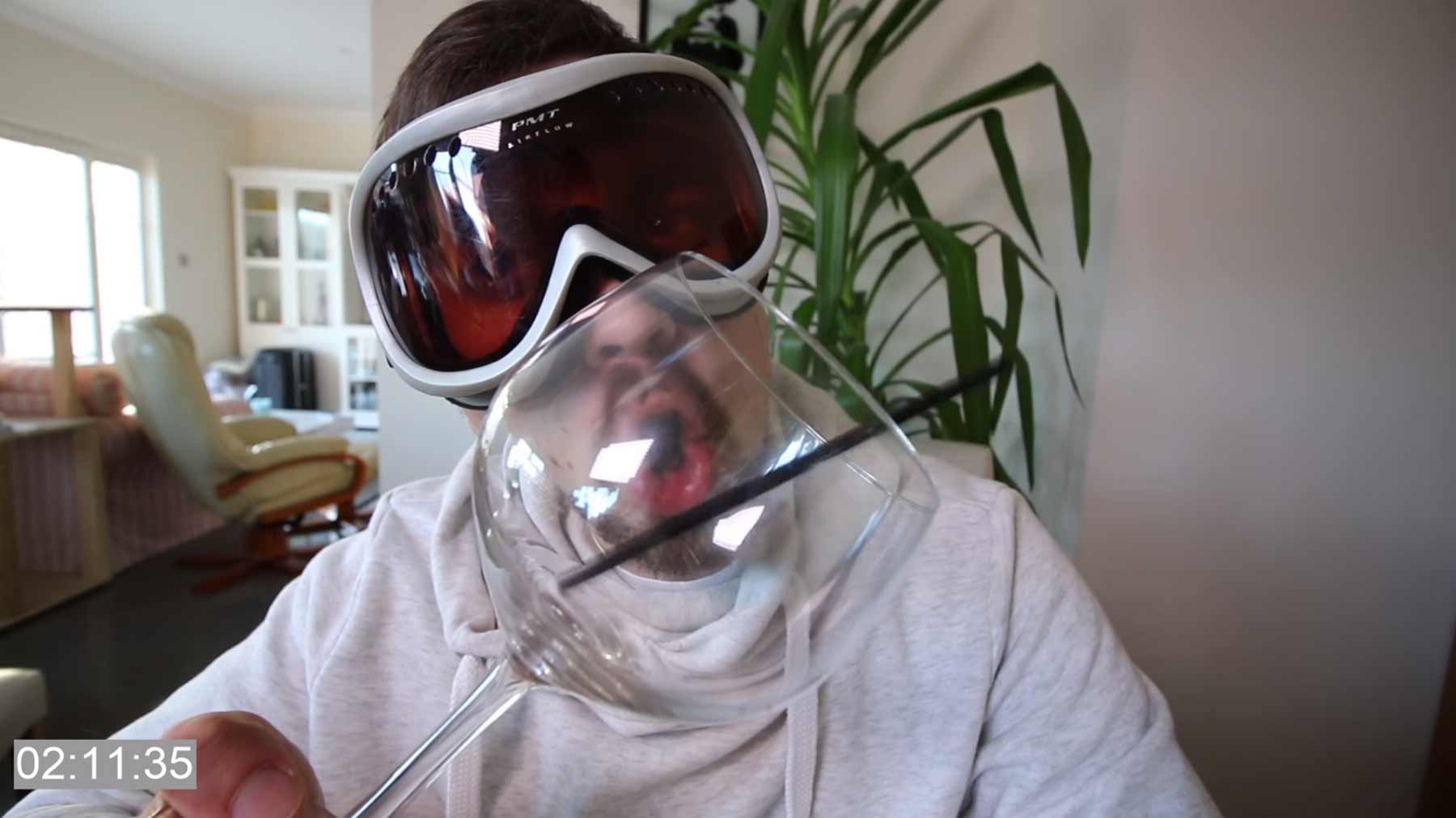 Mike Boyd lernt, ein Glas mit seiner Stimme zum Zerbrechen mike-boyd-stimme-glas-zerbrechen