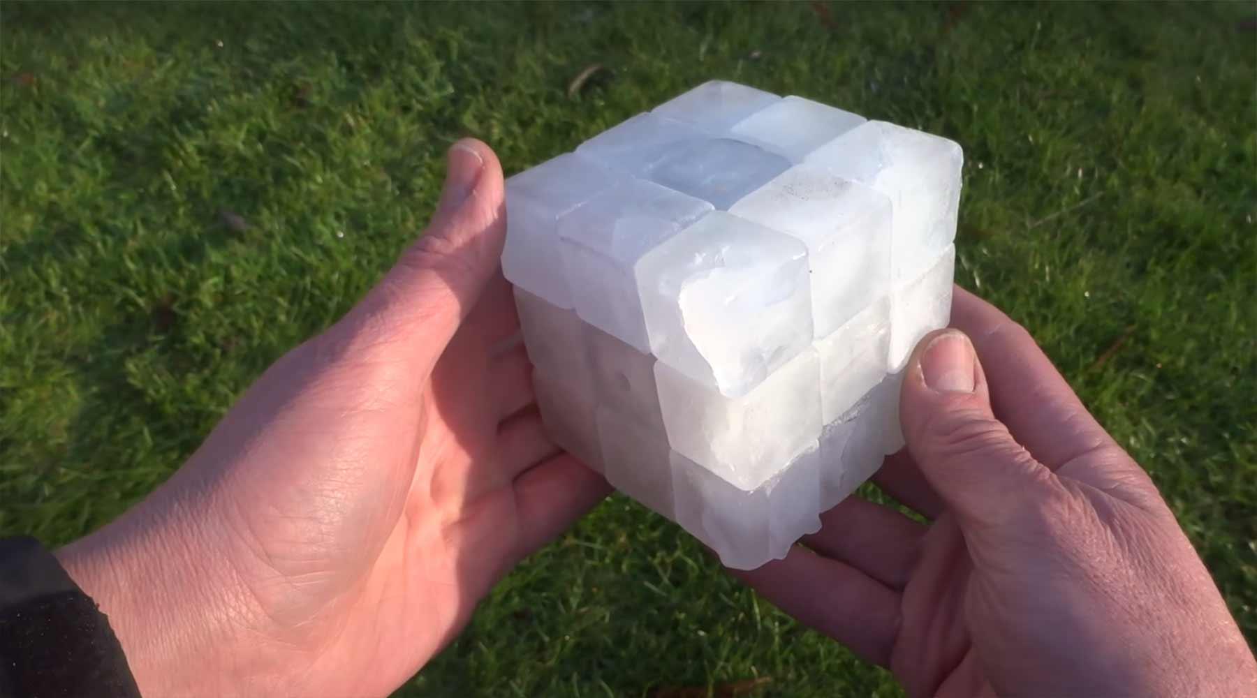 Zauberwürfel aus Eis