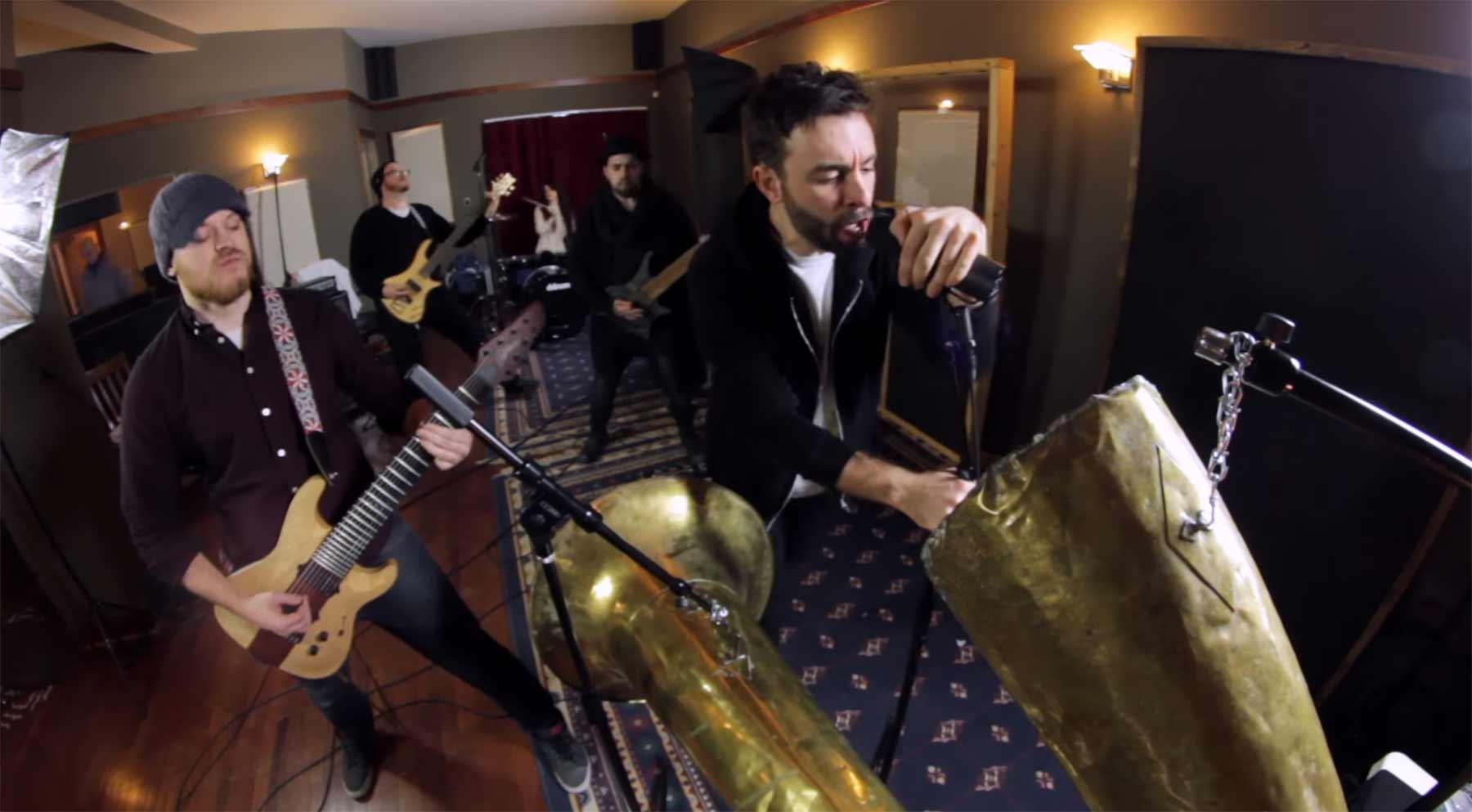 Metalsong auf 100 Jahre altem Equipment aufgenommen