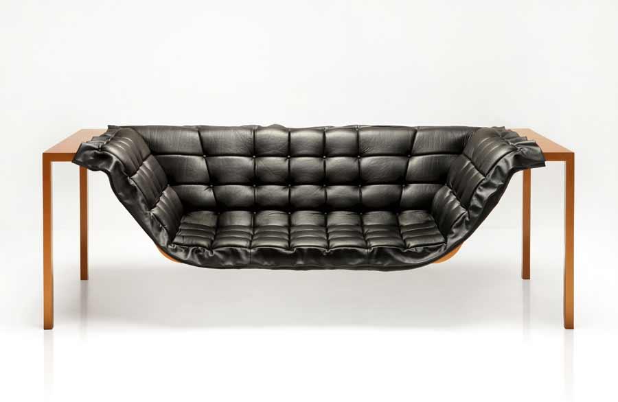 Schwereloses Sofa