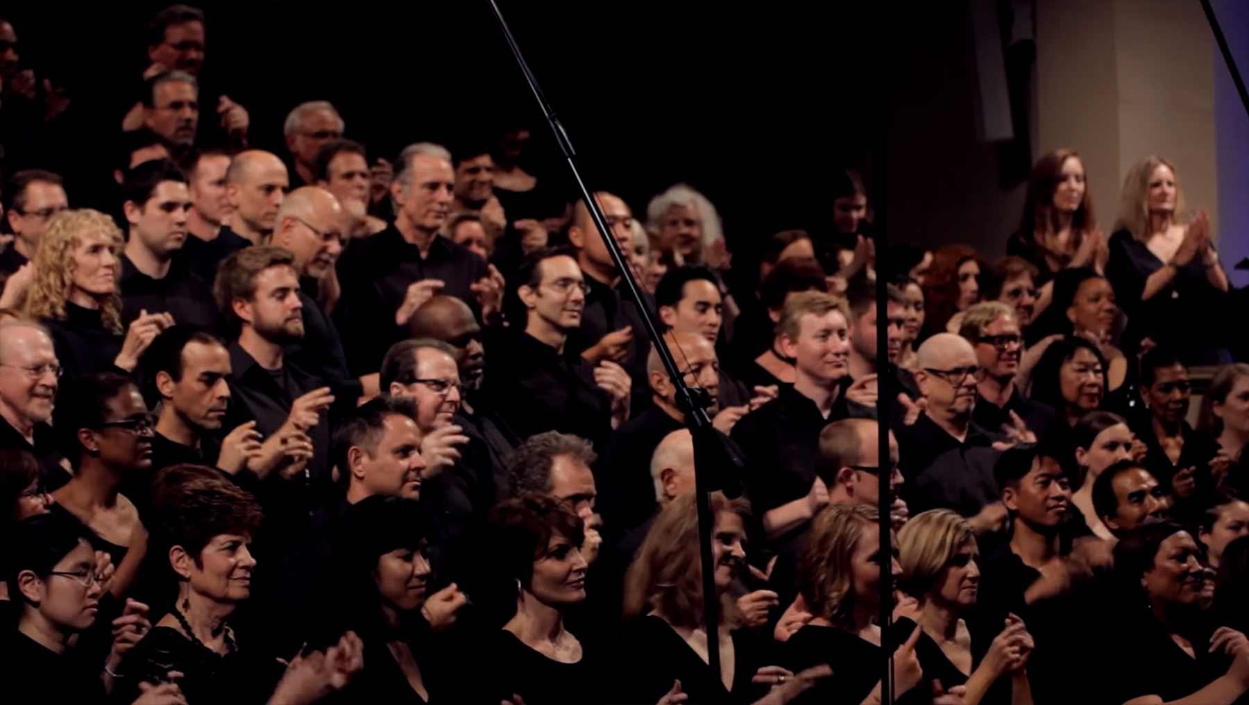 Dieser Chor imitiert perfekt ein aufkommendes Gewitter