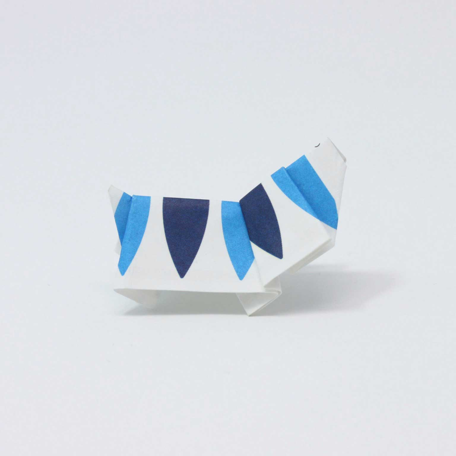Hinterlassenes Origami aus Essstäbchen-Verpackungen japanese-tip_origami-trinkgeld_05