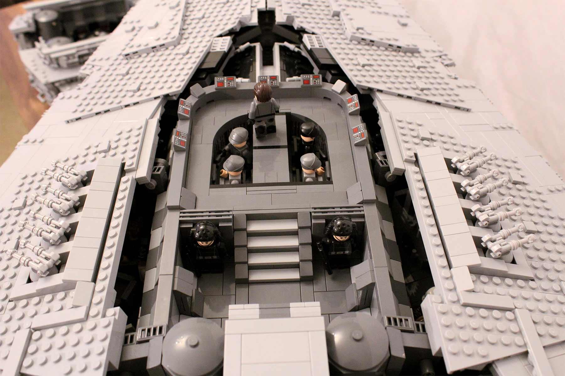 Gigantischer Sternzerstörer aus LEGO lego-sternzerstoerer-star-wars-riesig_05