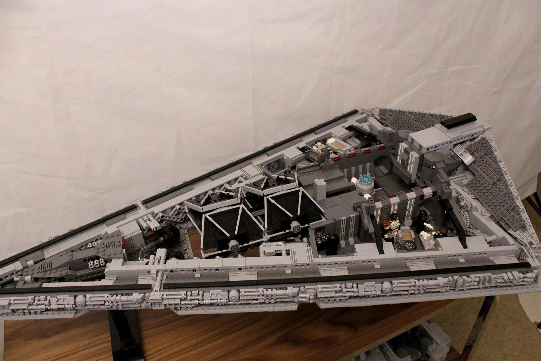 Gigantischer Sternzerstörer aus LEGO lego-sternzerstoerer-star-wars-riesig_07