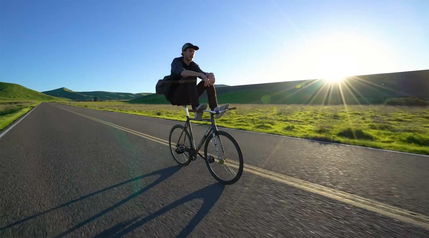 Eine entspannte Runde Radfahren the-green-video-bike-MASH