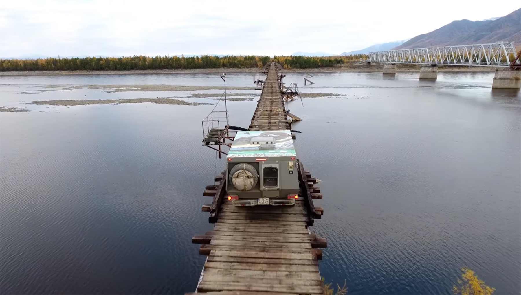Nur eine alte Eisenbahnbrücke in Sibirien