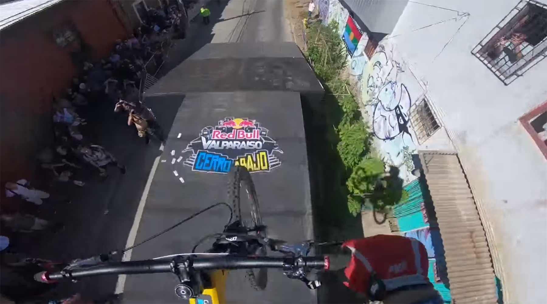Rasante POV-Abfahrt mit Tomáš Slavik Tomas-Slavik-Red-Bull-Valparaíso-Cerro-Abajo-2018