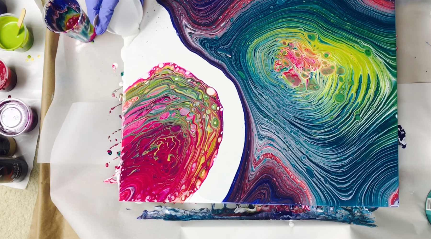 Becherausgieß-Malerei acrylfarbenvermischungen