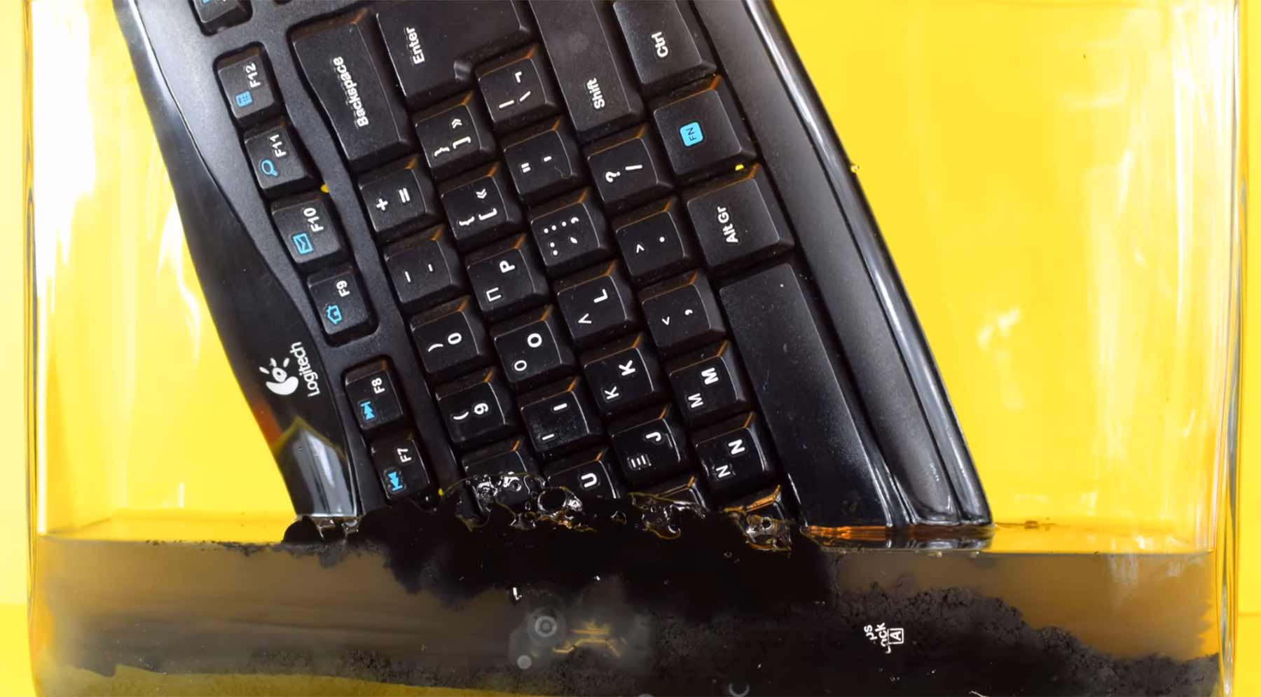 Timelapse: Tastatur vs. Azeton