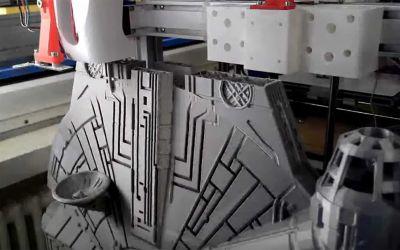 Timelapse: 3D-Druck eines Millennium Falcon