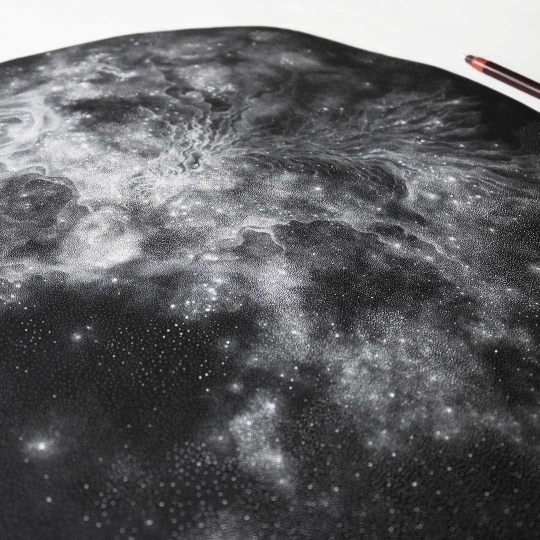 Galaxien aus tausenden weißen Punkten Petra-Kostova-pet-and-dot_04