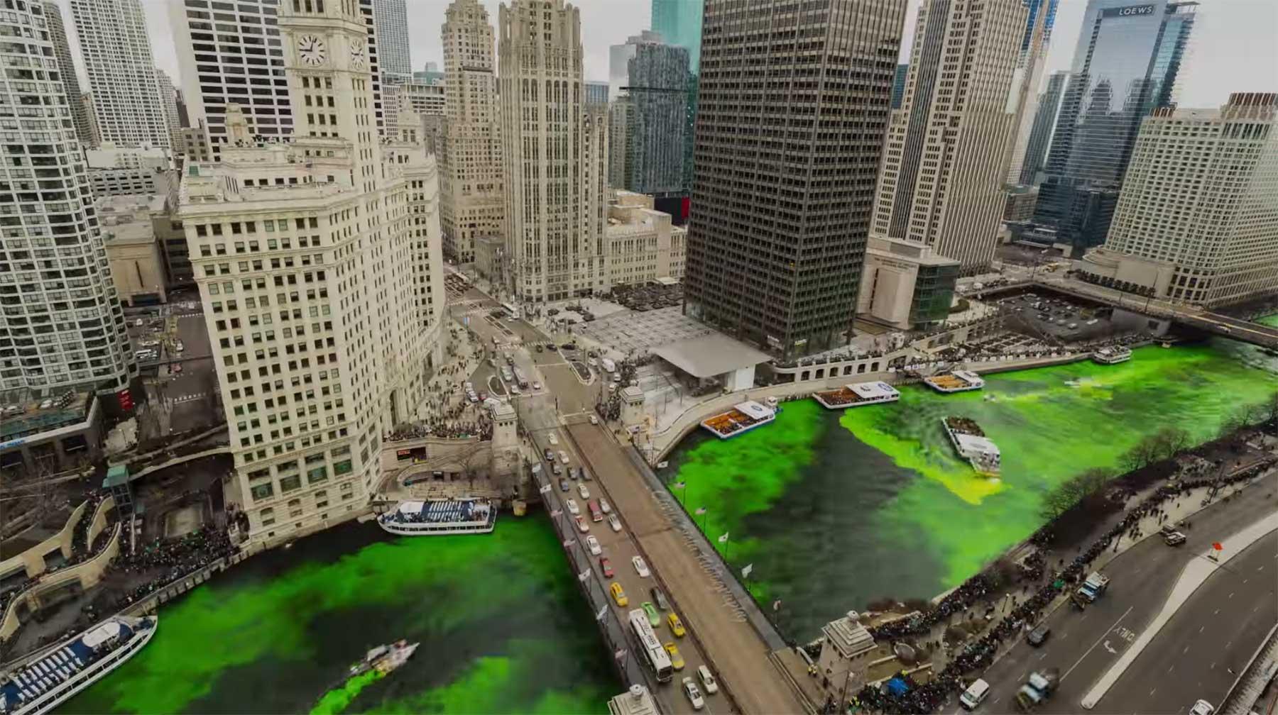 Grünfärbung des Chicago River zum St. Patrick's Day