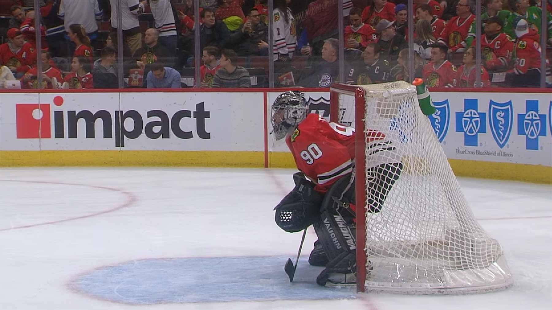 36-jähriger Notfalltorwart spielt sensationelle NHL-Partie