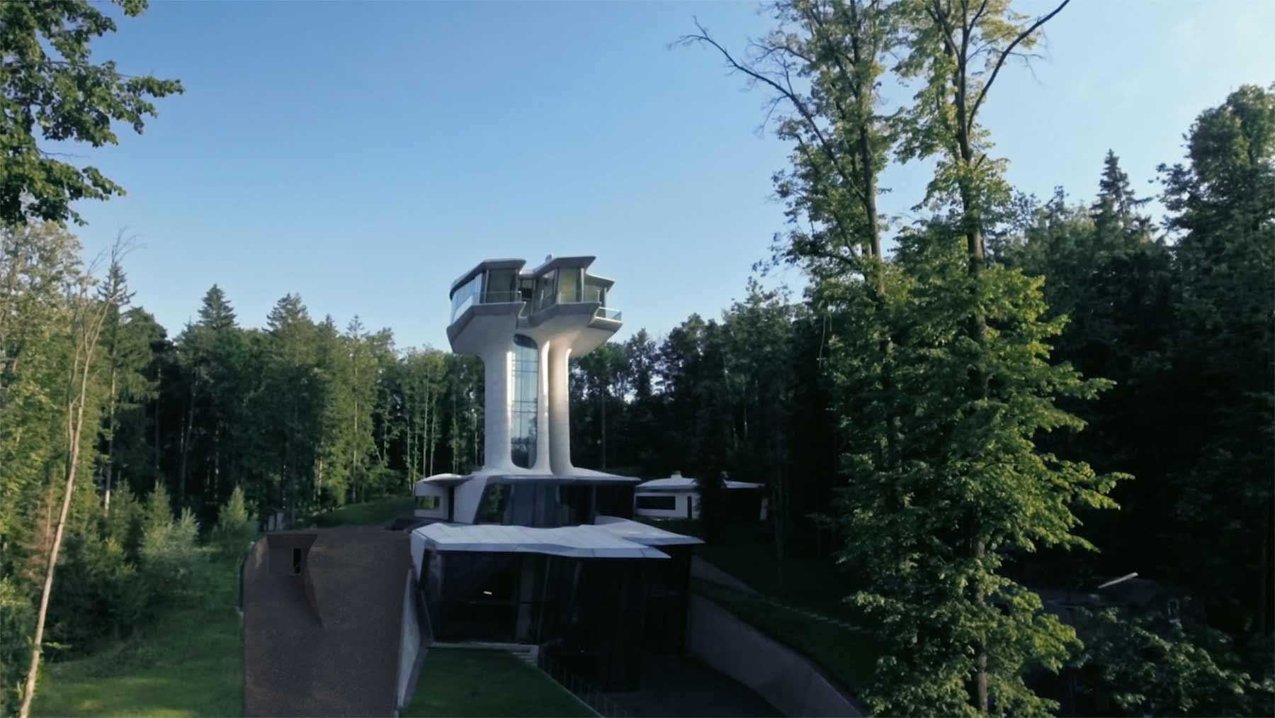 Ein Haus wie ein Raumschiff Capital-Hill-Residence-Zaha-Hadid_03