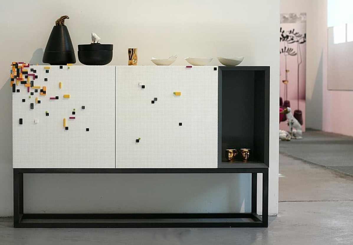 An diesen Möbeln kann man LEGO anbringen Lego-moebel-stueda-studio-nine-Corian_07