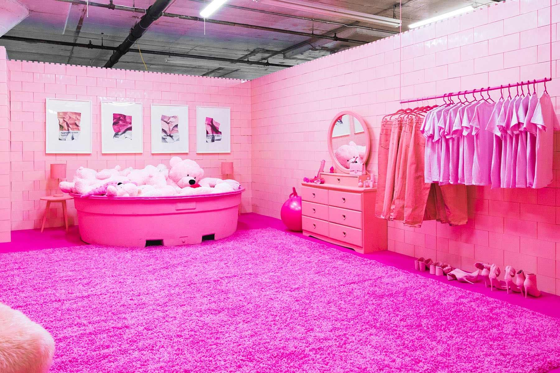 Ein Raum, eine Farbe Monochrome_CJ-Hendry_03