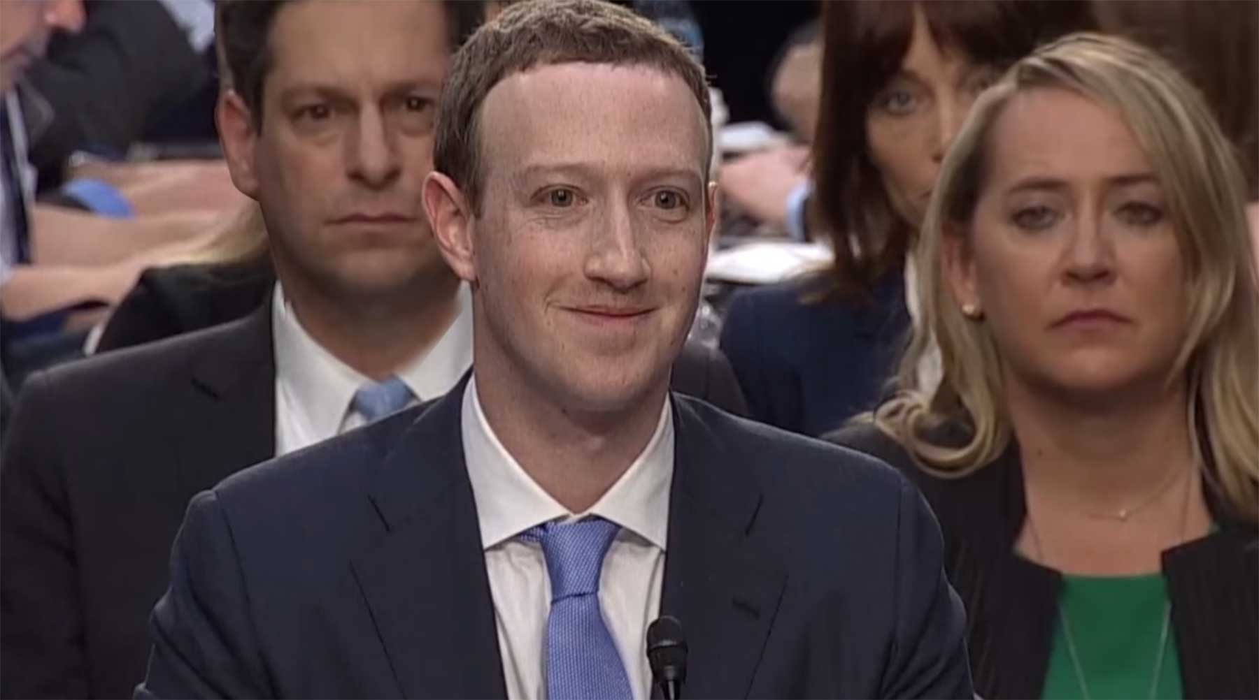 Hätte ein schlechter Lippenleser Mark Zuckerbergs Anhörung beigewohnt a-bad-lip-reading-zuckerberg