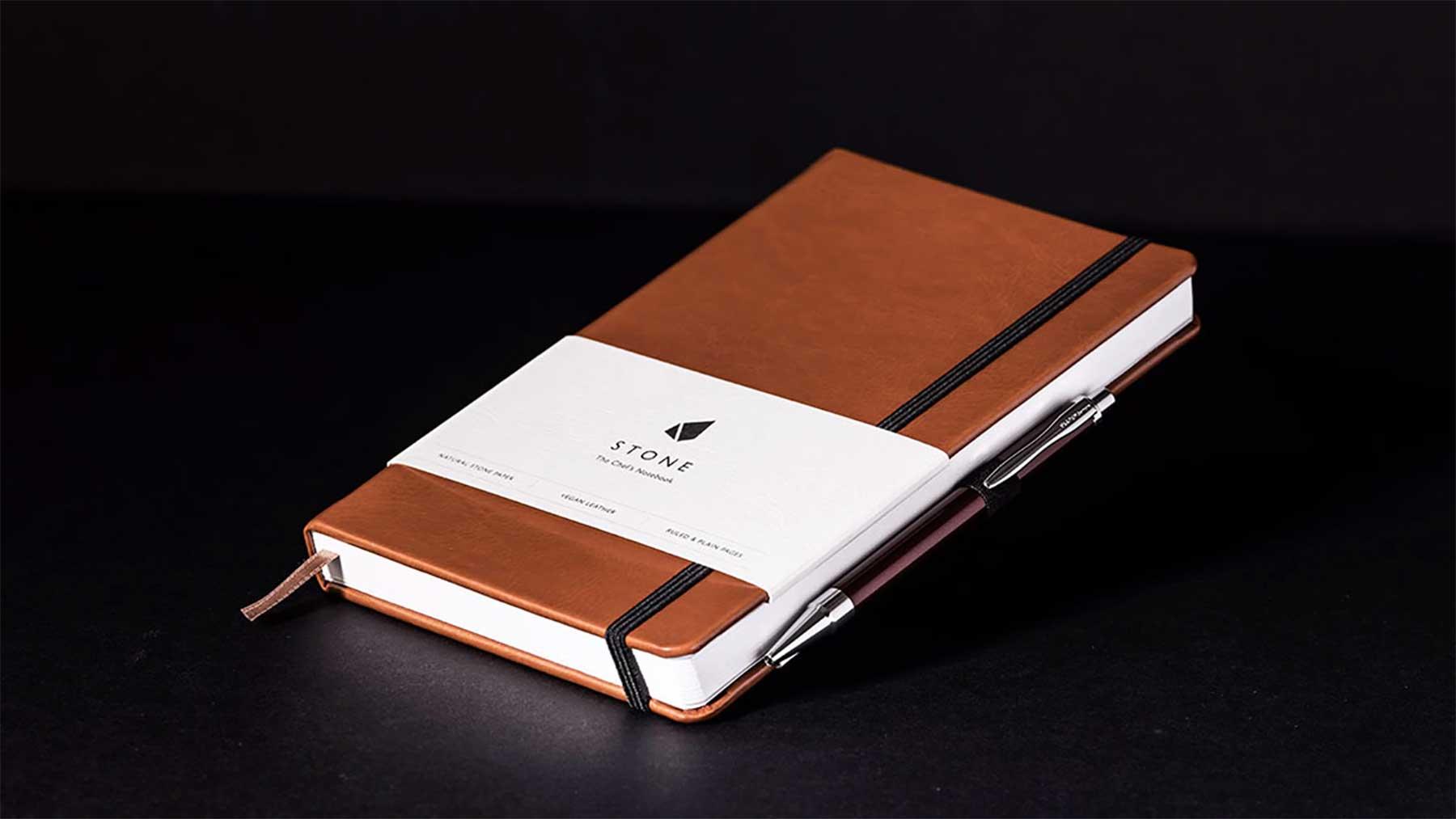 Notizbuch mit Seiten aus Stein