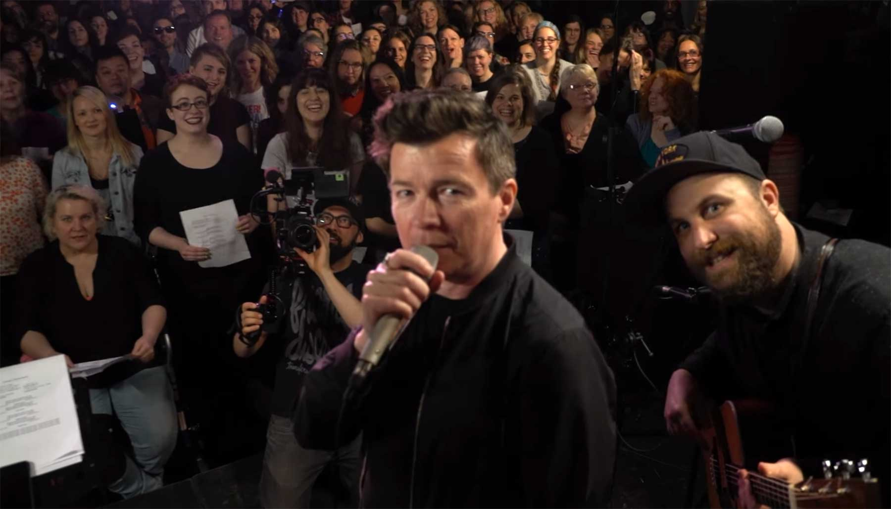 Rick Astley ft. Choir! Choir! Choir! – Never Gonna Give You Up