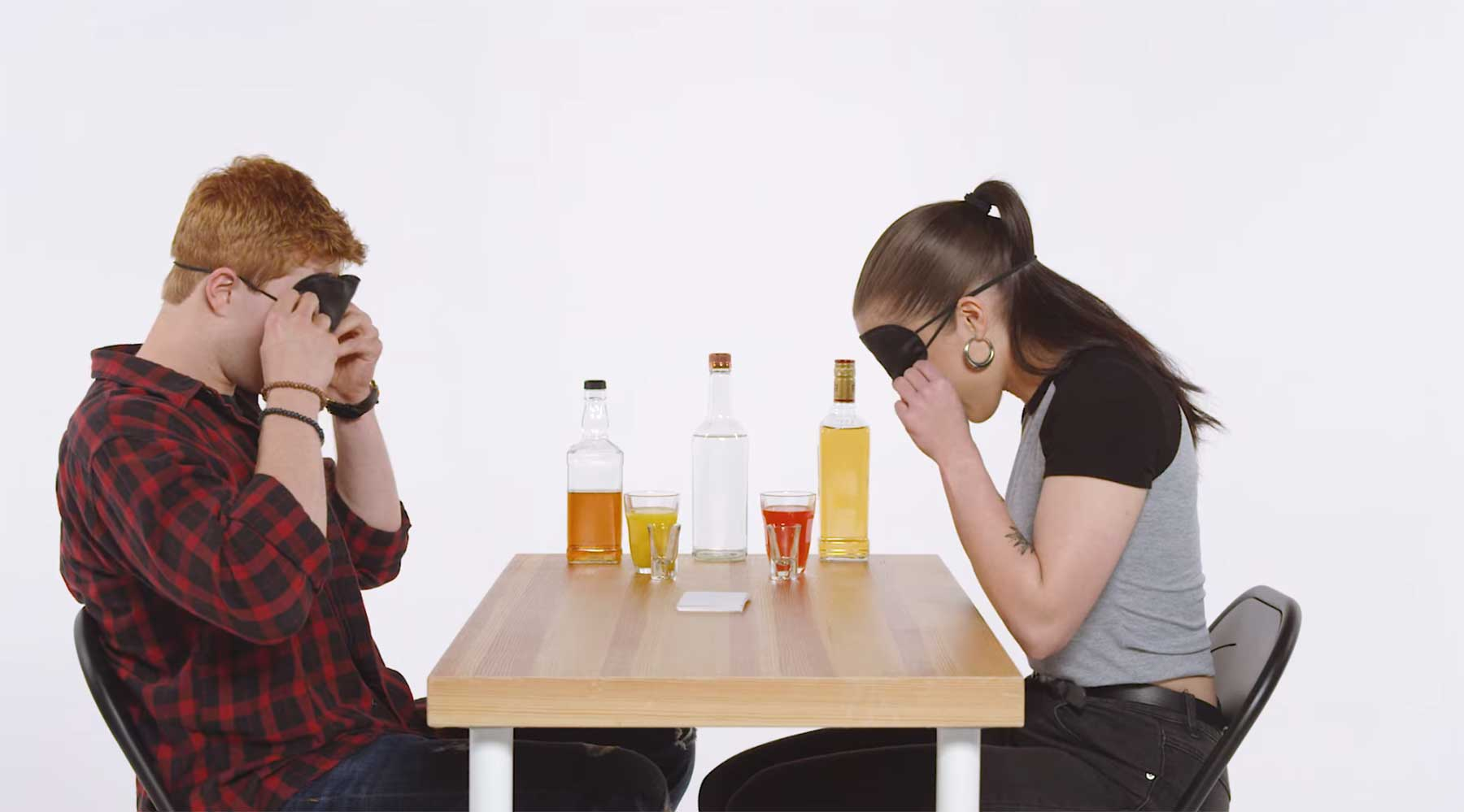 Wahrheit oder Schnaps: Blind Date Edition truth-or-drink-blind-date-edition