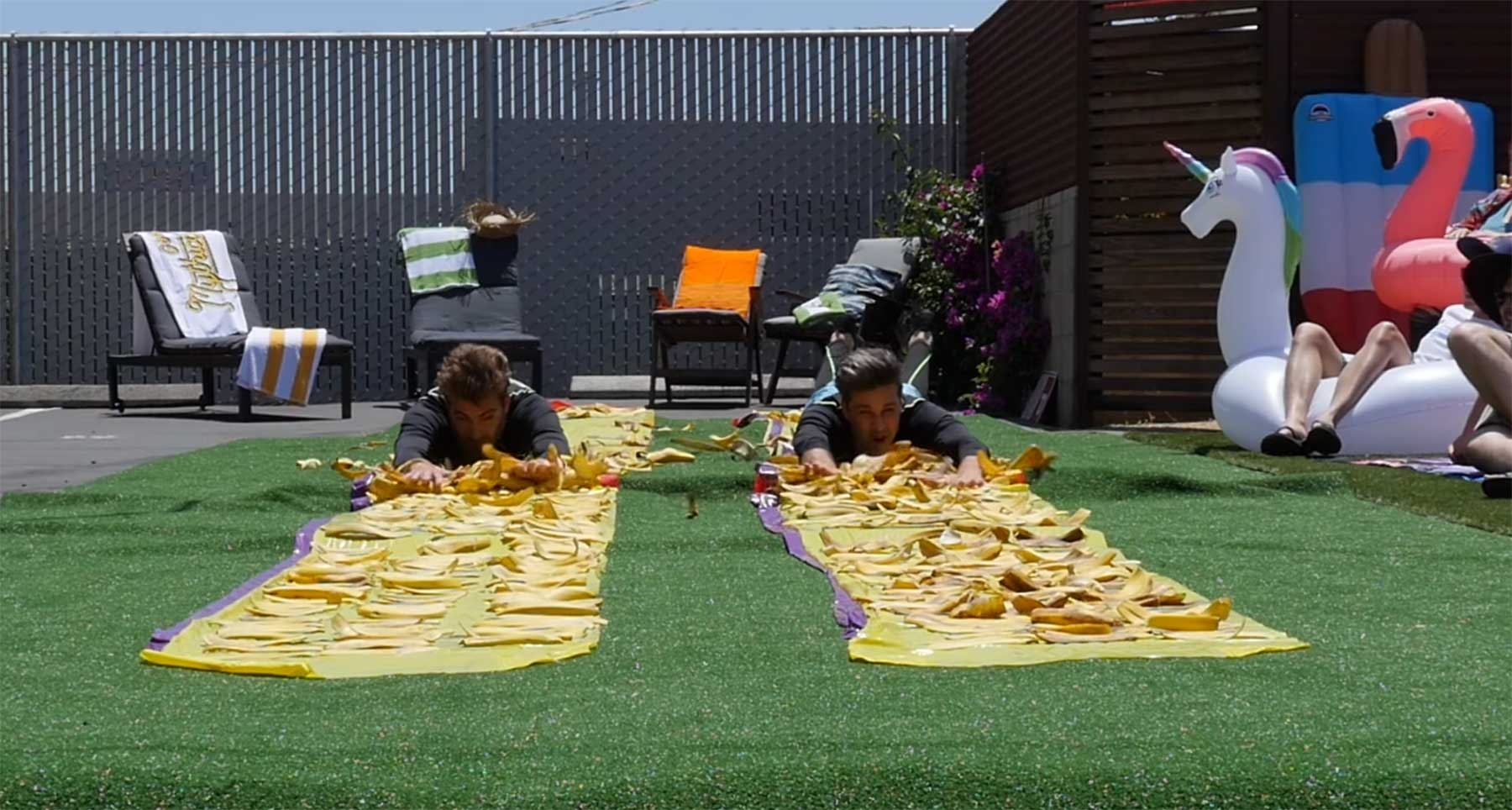 Wie weit kann man auf Bananenschalen oder Speck-Fett rutschen?
