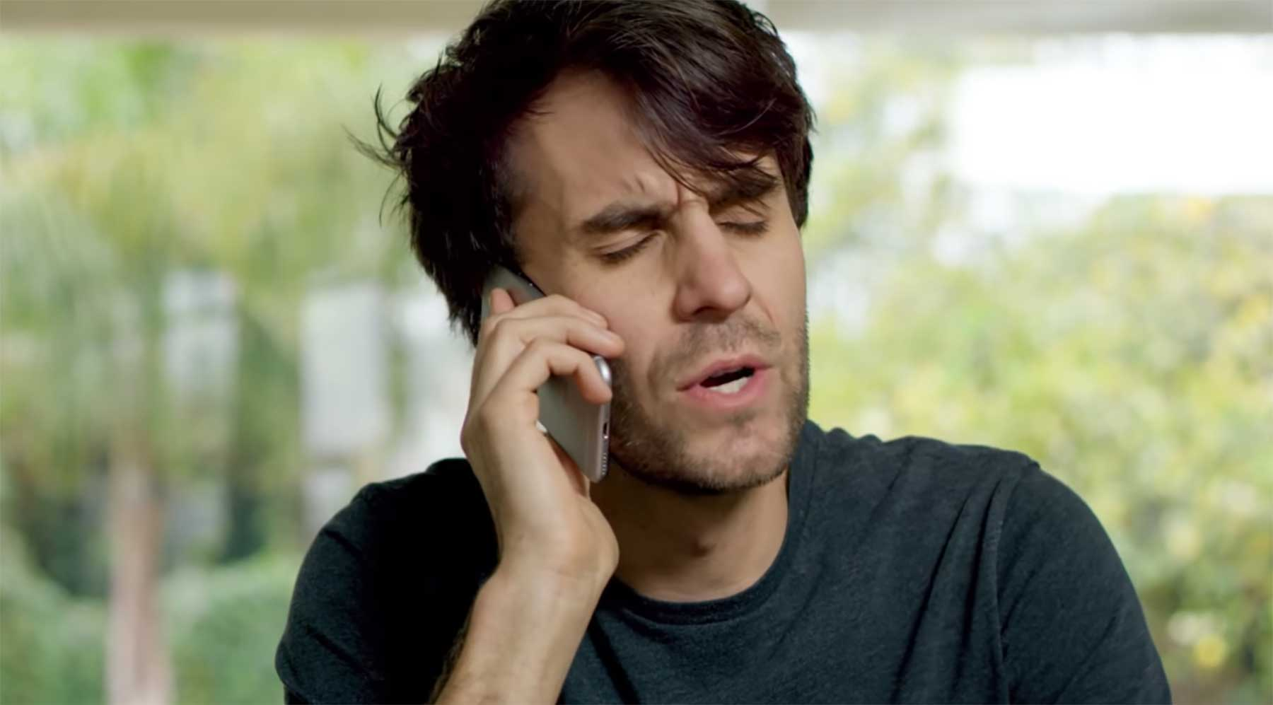 Nummer abgestaubt, doch beim Anruf der Dame geht ihr Callcenter ran call-me-kurzfilm
