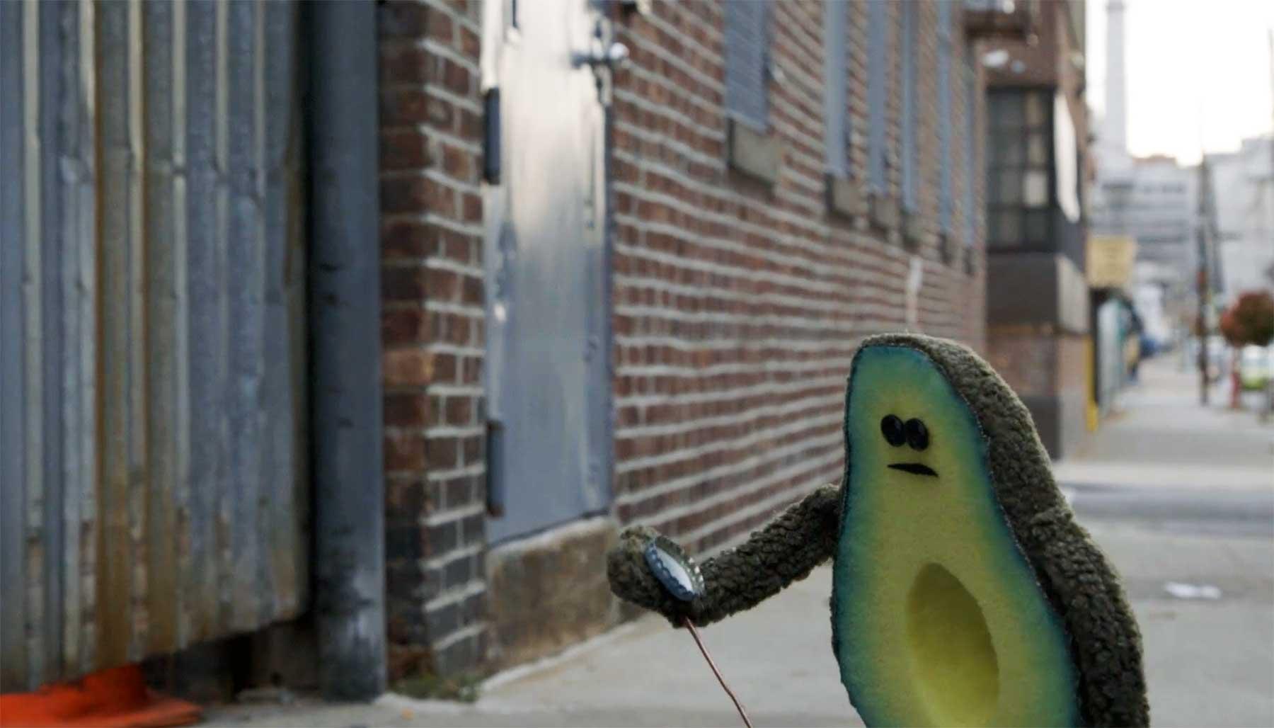 Eine Avocado auf der Suche nach ihrem Kern