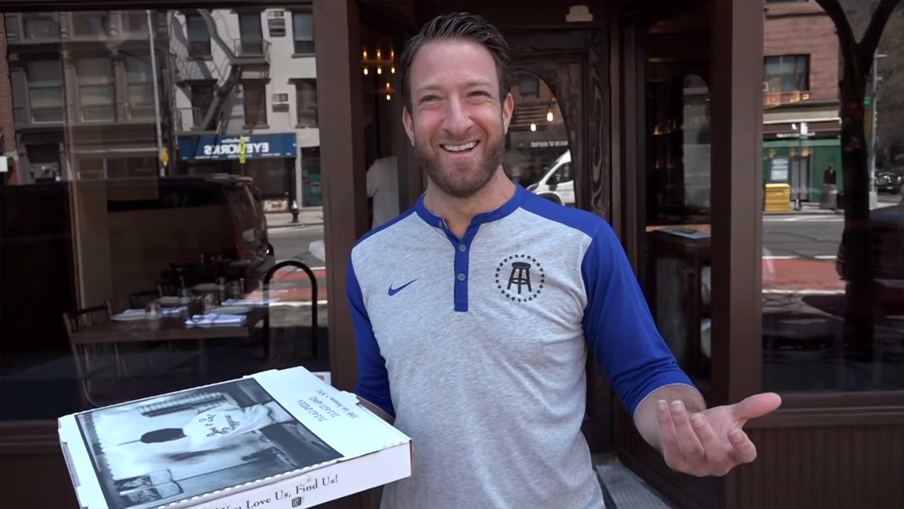 Der Versuch eines Pizza-Reviews auf New York Citys Straßen unterbrochenes-pizza-review