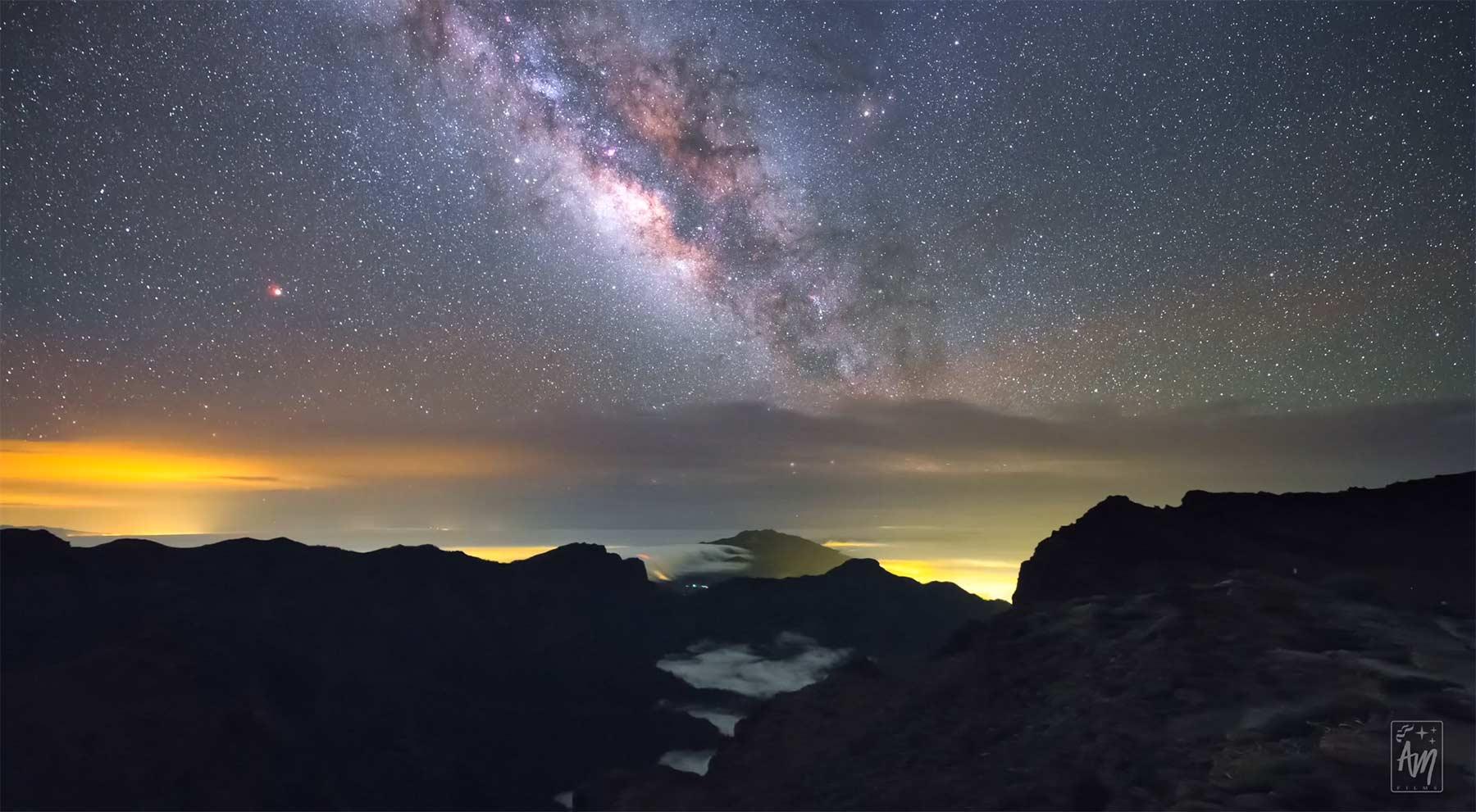 Wolkenteppiche und Sternenhimmel