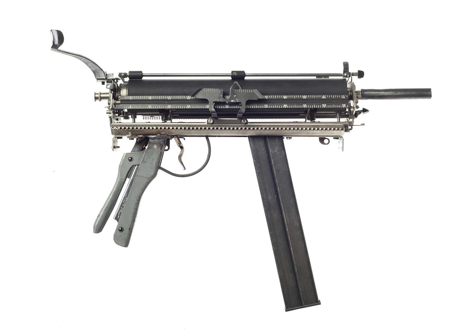 Waffen aus Schreibmaschinen Ravi-Zupa-Mightier-Than-Schreibmaschinenwaffen_03