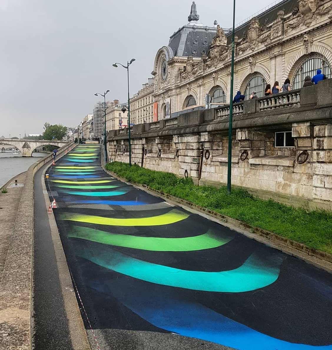 18.000 Quadratmeter großes 3D-Loch im Boden Stream-street-art-1010_04