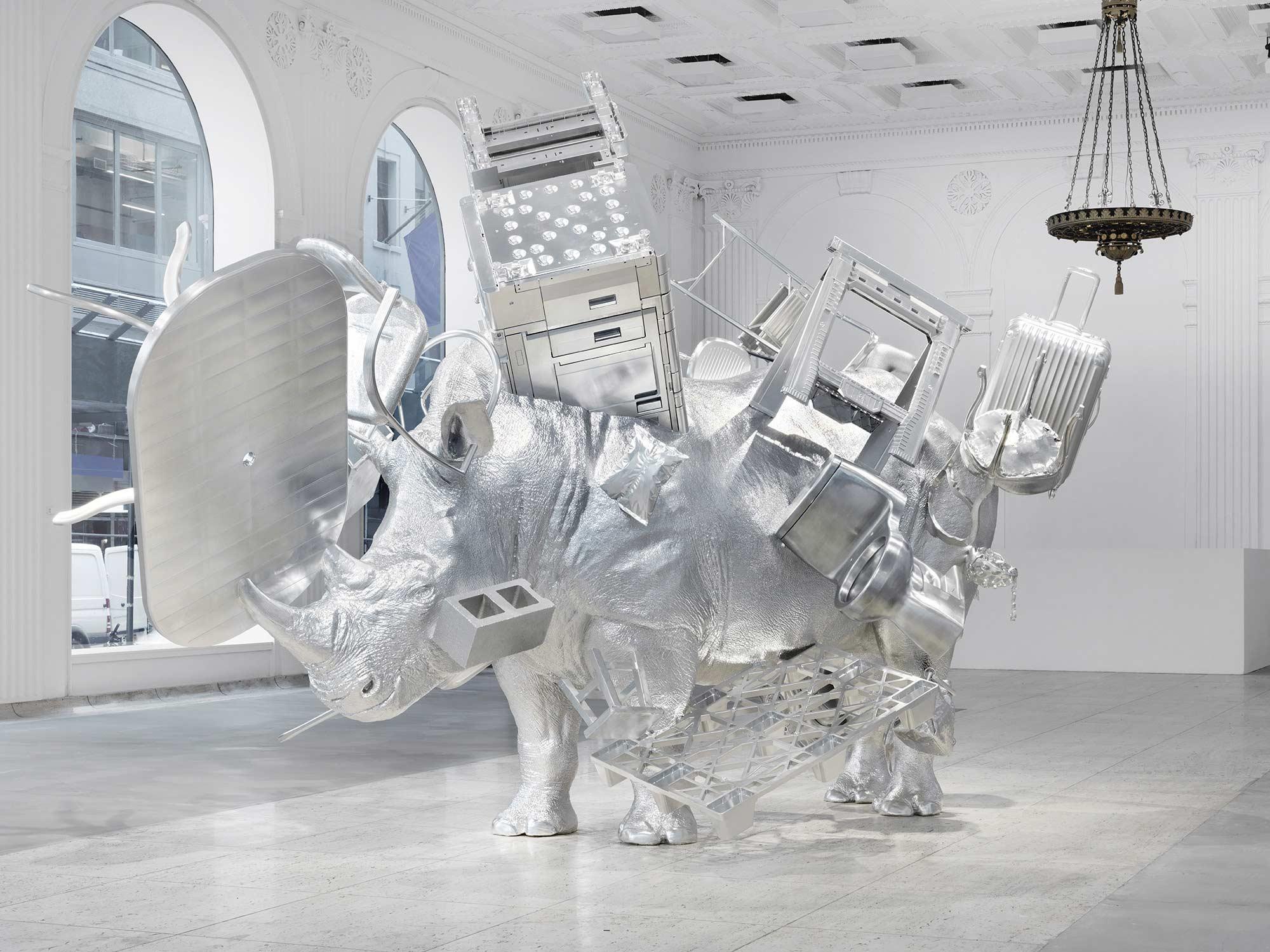 Das magnetische Metall-Nashorn von Urs Fischer Things-Urs-Fischer_05